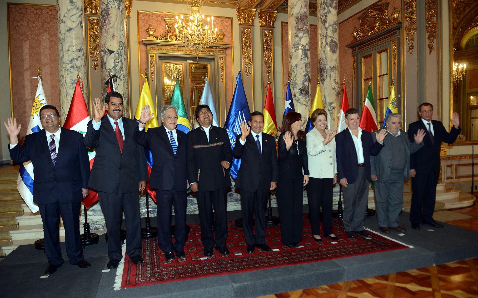 Fotografía oficial, reunión extraordinaria del Consejo de Jefes de Estado y de Gobierno de UNASUR