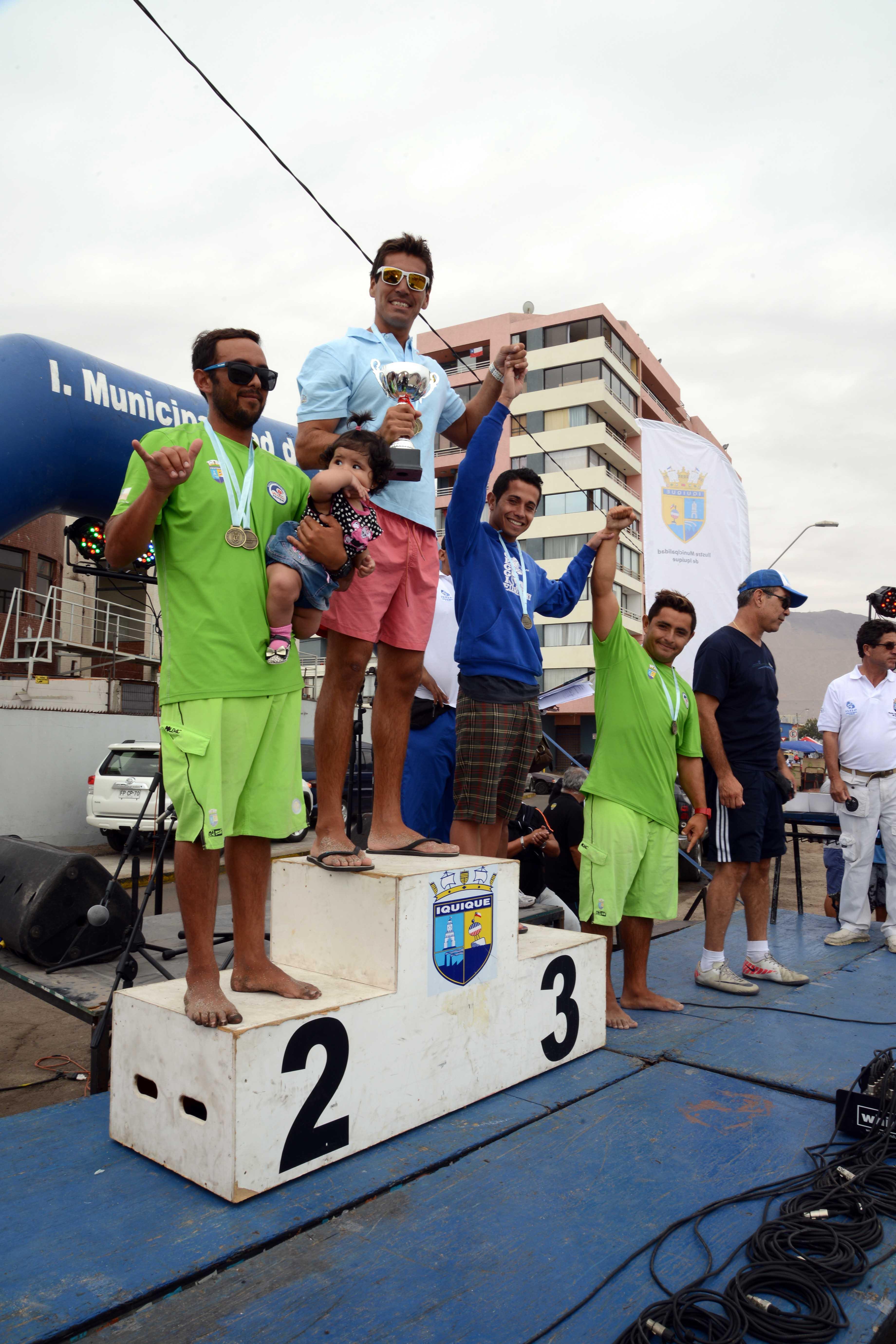 Ganadores de nado en Carnaval del Morro en Iquique