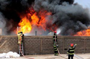 Intervencion de bomberos en incendio de El Boro