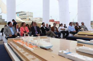 Empresarios y autoridades en la Empresa Portuaria de Iquique