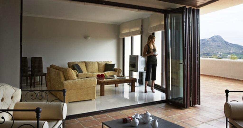 Madera diario el nortino iquique el tamarugal for Como cambiar las puertas de casa