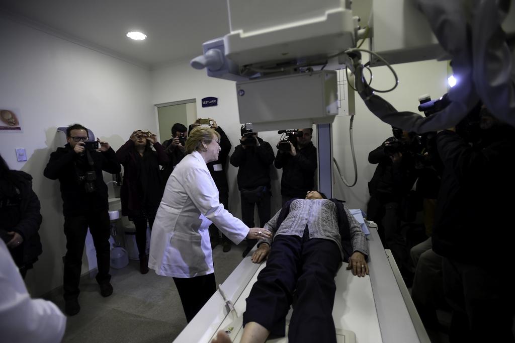 Michelle Bachelet inaugura SAR para mejorar atención de